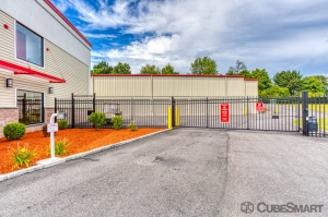 CubeSmart Self Storage - Rocky Hill - 1053 Cromwell Ave - Photo 6