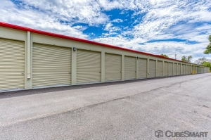CubeSmart Self Storage - Rocky Hill - 1053 Cromwell Ave - Photo 3