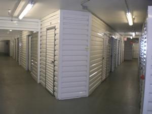 Signal Hill Self Storage - Photo 4