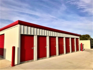 Big Red Self Storage - South 84 - Photo 2