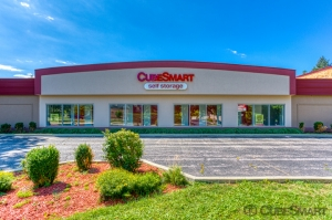 Image of CubeSmart Self Storage - Glenview - 1775 Chestnut Ave Facility on 1775 Chestnut Avenue  in Glenview, IL - View 2