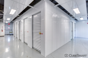 Image of CubeSmart Self Storage - Glenview - 1775 Chestnut Ave Facility on 1775 Chestnut Avenue  in Glenview, IL - View 3