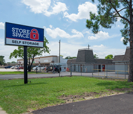 Picture of Store Space Self Storage - #1013