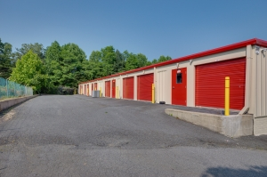 Image of 10 Federal Self Storage - 2399 Leake Square, Charlottesville, VA 22911 Facility on 2399 Leake Square  in Charlottesville, VA - View 3