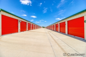 Image of CubeSmart Self Storage - Erie - 1401 E County Line Rd Facility on 1401 E Country Line Rd  in Erie, CO - View 2