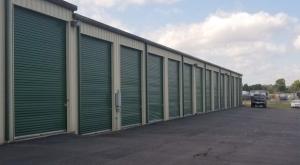 Superior Storage - Oak St - Photo 3
