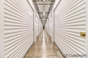 CubeSmart Self Storage - Phoenix - 2020 E Indian School Rd - Photo 2