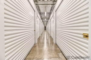 CubeSmart Self Storage - Phoenix - 2020 E Indian School Rd - Photo 2
