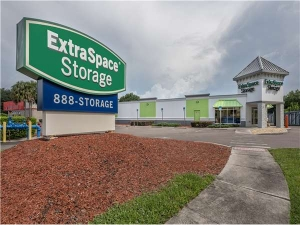 Extra Space Storage - Valrico - State Road 60 E