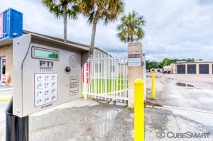 CubeSmart Self Storage - Lakeland - 3345 E Memorial Blvd - Photo 5