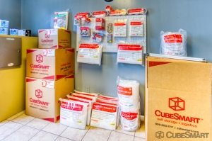CubeSmart Self Storage - Lakeland - 3345 E Memorial Blvd - Photo 7
