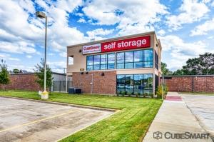 Image of CubeSmart Self Storage - Arlington - 2216 W Park Row Dr Facility at 2216 West Park Row Drive  Pantego, TX
