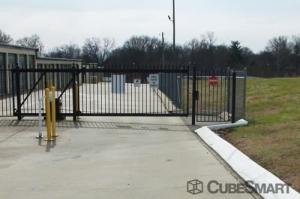 CubeSmart Self Storage - Clarksville - Photo 2