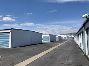 Image of AAA Self Storage LLC Facility on 9111 Jordan Ave  in Chatsworth, CA - View 3