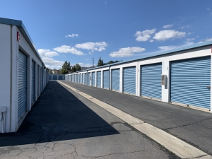Image of AAA Self Storage LLC Facility on 9111 Jordan Ave  in Chatsworth, CA - View 4