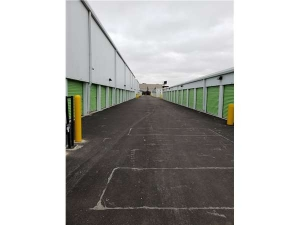 Image of Extra Space Storage - Chicago - 5746 W Roosevelt Rd Facility on 5746 West Roosevelt Road  in Chicago, IL - View 2