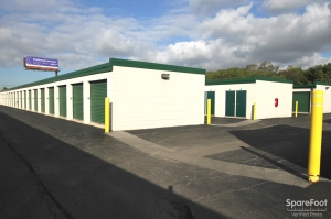 The Lock Up Self Storage - Northbrook - Photo 6
