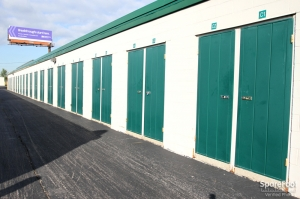 The Lock Up Self Storage - Northbrook - Photo 9