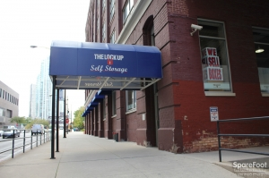 Image of The Lock Up Self Storage - Kinzie Facility on 350 West Kinzie Street  in Chicago, IL - View 2