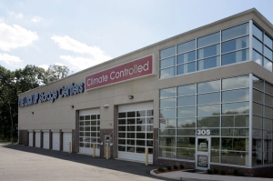 Image of The Lock Up Self Storage - Livingston Facility on 305 Eisenhower Parkway  in Livingston, NJ - View 4