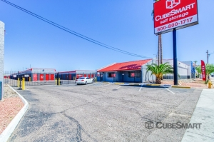 Image of CubeSmart Self Storage - Phoenix - 4010 West Indian School Rd Facility at 4010 West Indian School Road  Phoenix, AZ