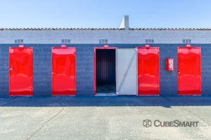 Image of CubeSmart Self Storage - Phoenix - 4010 West Indian School Rd Facility on 4010 West Indian School Road  in Phoenix, AZ - View 2