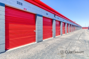 Image of CubeSmart Self Storage - Phoenix - 4010 West Indian School Rd Facility on 4010 West Indian School Road  in Phoenix, AZ - View 3