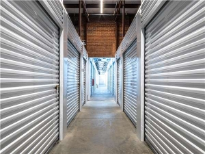 Image of Extra Space Storage - St Louis - Vandeventer Ave Facility on 722 South Vandeventer Avenue  in St. Louis, MO - View 3