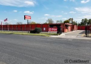 Picture 0 of CubeSmart Self Storage - San Antonio - 1571 W Contour Dr - FindStorageFast.com