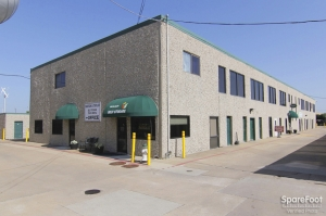 Image of Watson & Taylor Self Storage - Belt Line Facility on 4015 Belt Line Road  in Addison, TX - View 2