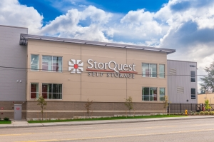 Image of StorQuest-Tigard/SW Pacific Hwy Facility on 12800 Southwest Pacific Highway  in Tigard, OR - View 2