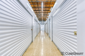 Image of CubeSmart Self Storage - Saint Petersburg - 7470 30th Ave N Facility on 7470 30th Avenue North  in St. Petersburg, FL - View 2