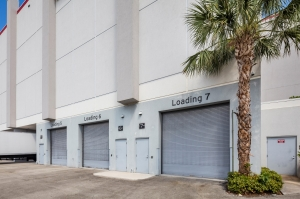 Image of Storage King USA - 035 - Fort Lauderdale, FL - SE 6th Ave Facility on 3340 Southeast 6th Avenue  in Fort Lauderdale, FL - View 2