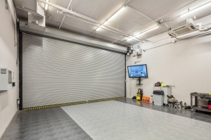 Image of Storage King USA - 035 - Fort Lauderdale, FL - SE 6th Ave Facility on 3340 Southeast 6th Avenue  in Fort Lauderdale, FL - View 3