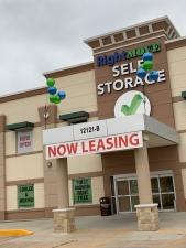 Image of Right Move Storage - Royal Oaks Facility at 12121 Westheimer Road  Houston, TX