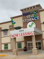 Picture of Right Move Storage - Royal Oaks