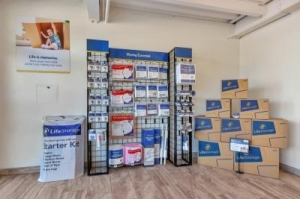 Life Storage - Phoenix - 3325 North 16th Street - Photo 6