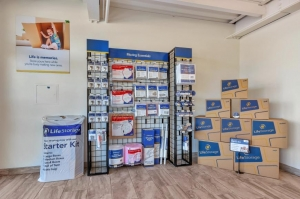 Image of Life Storage - Phoenix - 3325 North 16th Street Facility on 3325 North 16th Street  in Phoenix, AZ - View 3