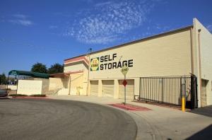 Image of EZ Storage of Van Nuys, L.P. Facility on 15330 Hatteras Street  in Van Nuys, CA - View 2