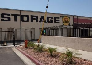 Image of E-Z Storage of Burbank, L.P. Facility on 20 East Alameda Avenue  in Burbank, CA - View 2