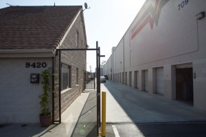 Image of EZ Storage Desoto, L.P. Facility on 9420 De Soto Avenue  in Chatsworth, CA - View 2