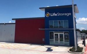 Life Storage - San Antonio - 3535 Roosevelt Avenue - Photo 1