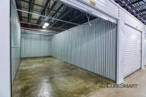 CubeSmart Self Storage - Farmers Branch - Photo 2