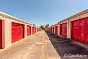 Image of CubeSmart Self Storage - Charlotte - 7043 E Independence Blvd Facility on 7043 E Independence Blvd  in Charlotte, NC - View 4