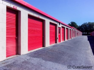 Image of CubeSmart Self Storage - North Charleston - 5850 Rivers Ave Facility on 5850 Rivers Ave  in North Charleston, SC - View 4