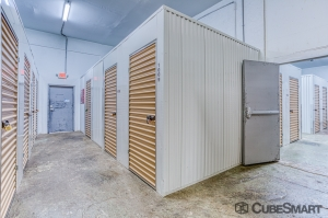CubeSmart Self Storage - Gulfport - Photo 5