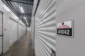 Image of Kent Supreme Self Storage Facility on 25301 Pacific Highway South  in Kent, WA - View 2