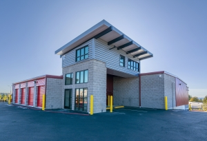 Image of Kent Supreme Self Storage Facility on 25301 Pacific Highway South  in Kent, WA - View 4