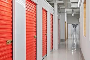 US Storage Centers - Minneapolis - Photo 10