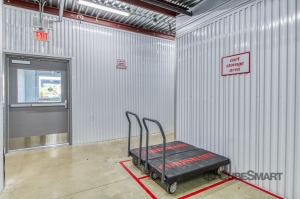 CubeSmart Self Storage - San Antonio - 1426 N. PanAm EXPY - Photo 4